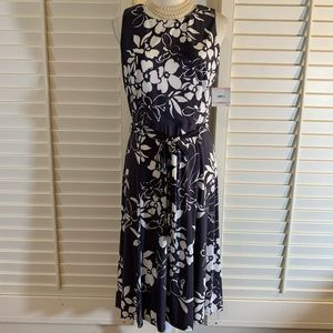 NWT ANNE KLEIN Grey Floral Dress